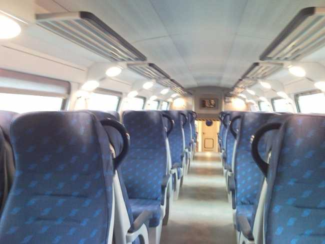 treno sedili vagone