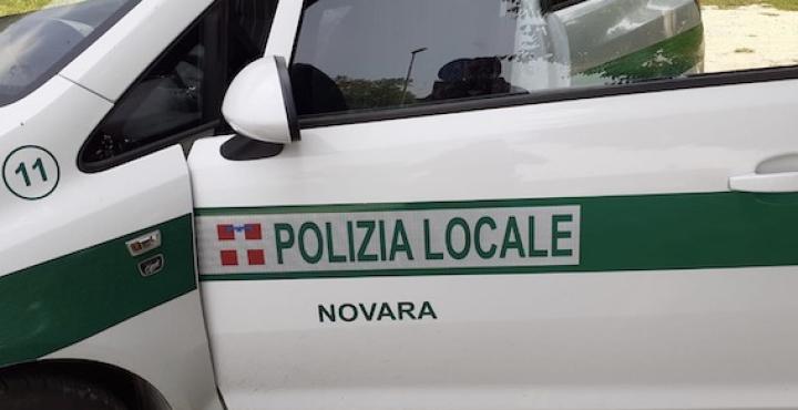 Novara, la polizia locale interviene per una truffa avvenuta in centro